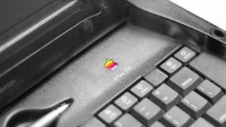 Retro Review: Apple eMate 300 Newton TabletTop